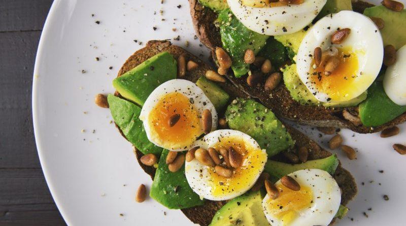 """5 อาหาร """"ไขมัน"""" ที่ดีต่อกายและใจ"""